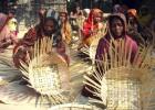 Halima Khatun and her group in Medha Kachhapia make bamboo baskets.