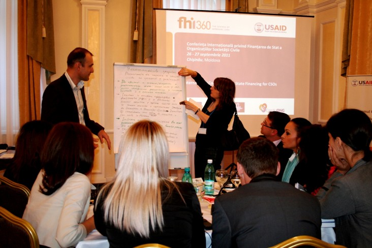 Participants of the International Conference on State Financing for CSOs discuss ways to improve cooperation.