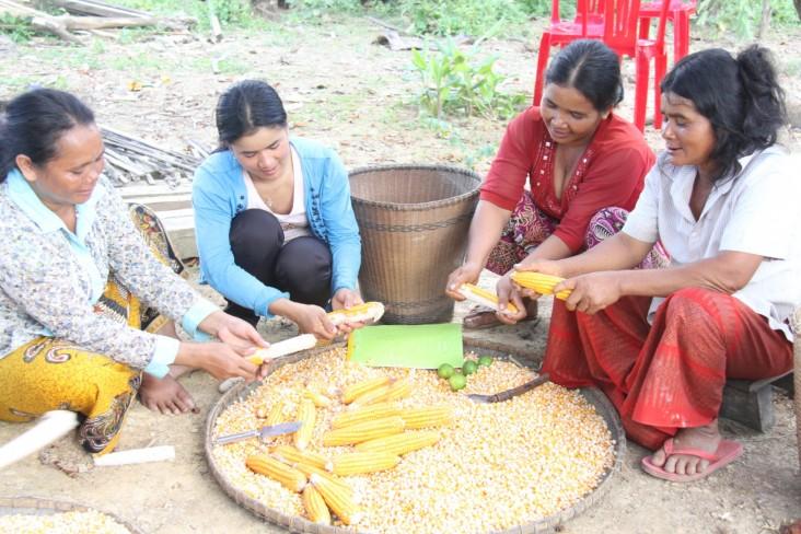 Kverk Sarak's wife, Bern Soeurn, right, and other indigenous village women.