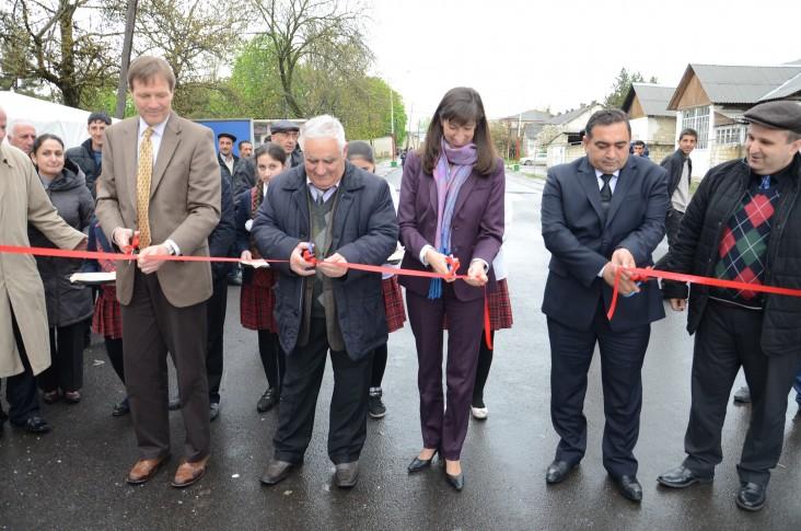 Opening of the road rehabilitated under SEDA