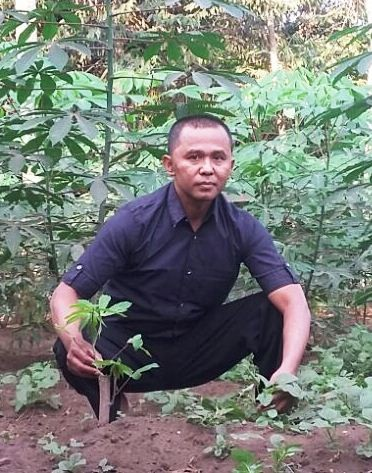 Suwarno of Patemon village with his cassava