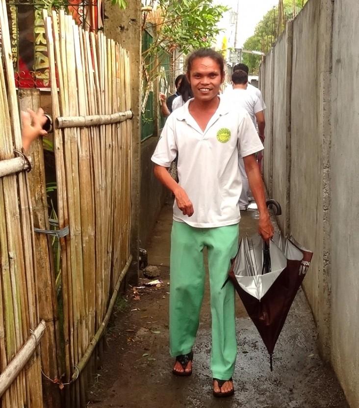 Jeffrey Bolaños, a community health volunteer who serves TB patients in his village