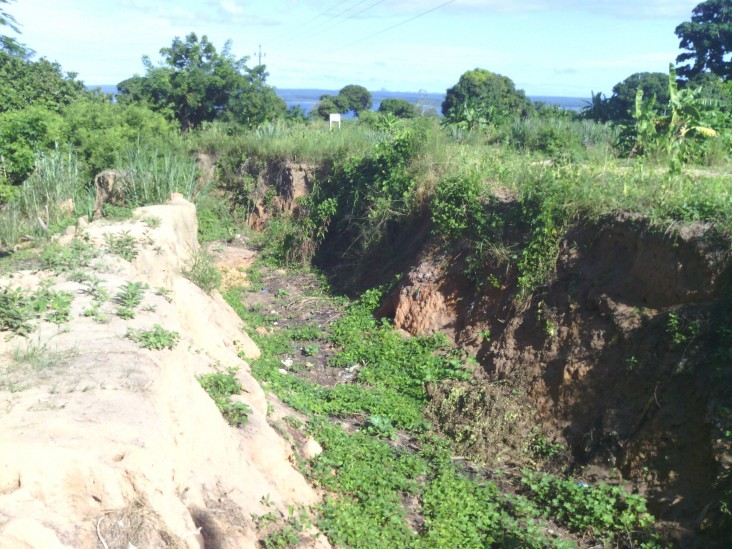 Abandoned road to Nacala washed out from heavy rains.