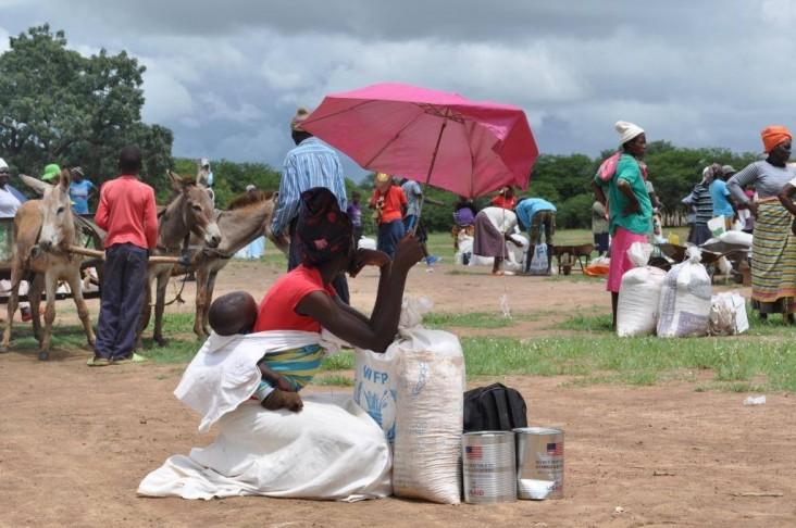 Food distribution in Mwenezi