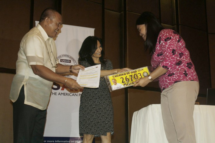 Bridging the Gap: Pioneering Partnership Offers Financial  Access For CDO Residents And Improves Government Services
