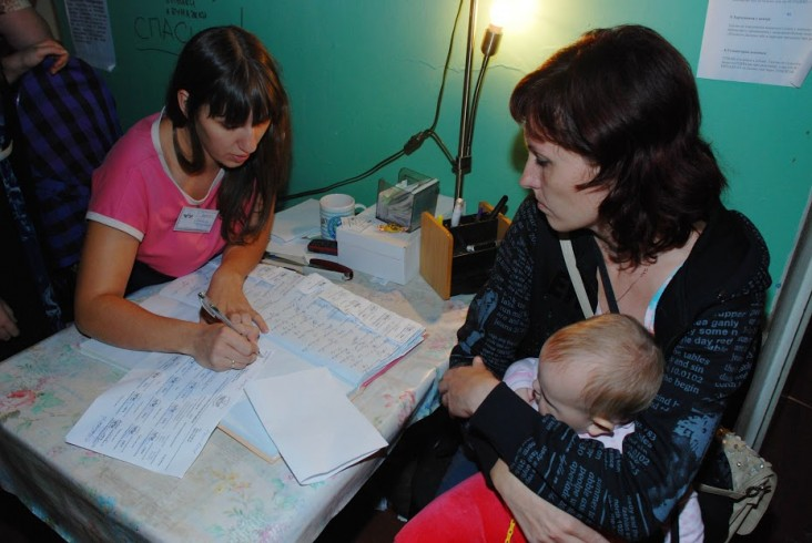 Dopomoga Dnipra assists IDP families at its center in Dnipropetrovsk