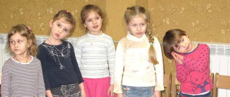 """Four- and 5-year-old girls from """"Kalynka"""" group attend a music class."""