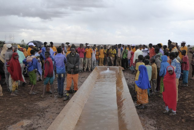 The Fedha'ad water supply scheme provides year-round access to a safe water source within a reduced fetching distance for 4,550 people. It boasts a 50,000 liter reservoir, 3,500 meter pipeline, two animal troughs, and two water points, each with four taps