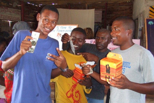 Fishermen in the southwest receive condoms at family planning session