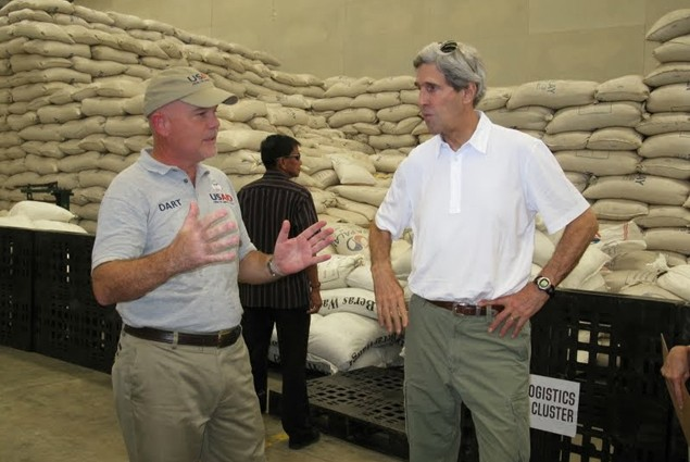 Secretary of State John Kerry visited Tacloban on December 18 where he was briefed on USAID disaster recovery efforts by Disaste