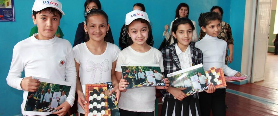 100 Tashkent school students