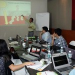 Prof. Bunleng Se discusses climate change with professors from Asia-Pacific region